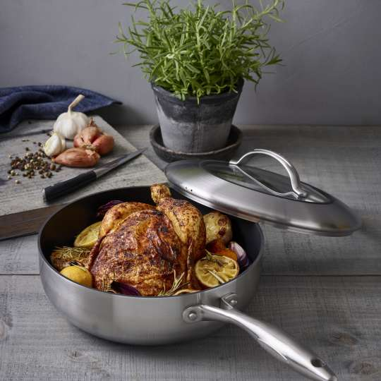 Scanpan: Serie CTX: Schmorpfanne mit Deckel / Mood Zubereitung Zitronen-Hühnchen